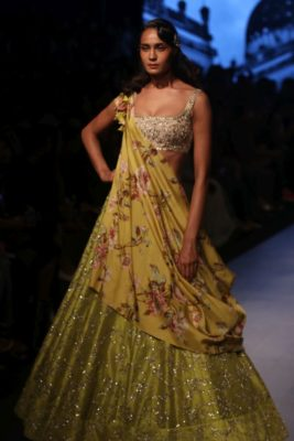 Nargis Fakhri Lakme Fashion Week_Bollyworm (3)