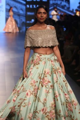 Nargis Fakhri Lakme Fashion Week_Bollyworm (6)