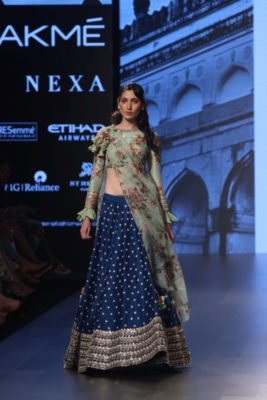 Nargis Fakhri Lakme Fashion Week_Bollyworm (8)