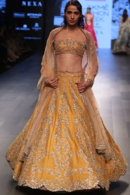 Nargis Fakhri Lakme Fashion Week_Bollyworm (9)