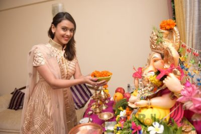 TV actors celebrate Ganesh Chaturthi at their home!_Bollyworm (10)