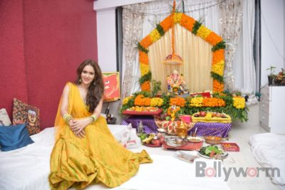 TV actors celebrate Ganesh Chaturthi at their home!_Bollyworm (17)