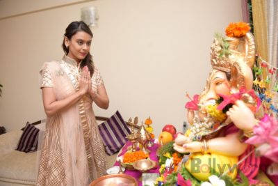 TV actors celebrate Ganesh Chaturthi at their home!_Bollyworm (7)