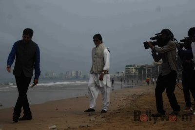 Amitabh Bachchan Cleanliness Drive NDTV-Bollyworm (1)