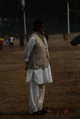 Amitabh Bachchan Cleanliness Drive NDTV-Bollyworm (10)