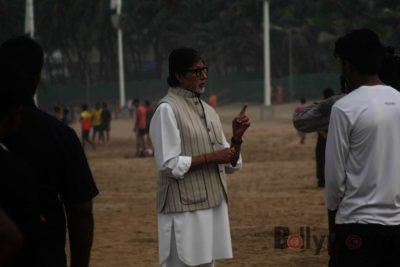 Amitabh Bachchan Cleanliness Drive NDTV-Bollyworm (13)