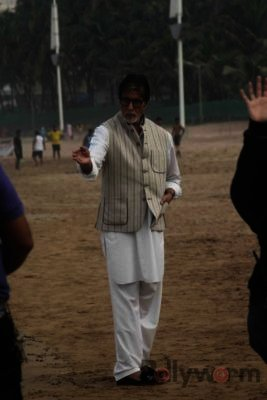 Amitabh Bachchan Cleanliness Drive NDTV-Bollyworm (16)