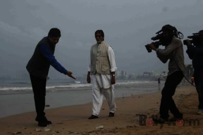 Amitabh Bachchan Cleanliness Drive NDTV-Bollyworm (2)