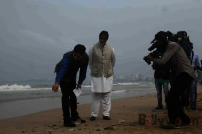 Amitabh Bachchan Cleanliness Drive NDTV-Bollyworm (3)