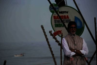 Amitabh Bachchan Cleanliness Drive NDTV-Bollyworm (9)