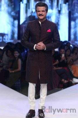 Anil Kapoor turns showstopper-Bollyworm (10)