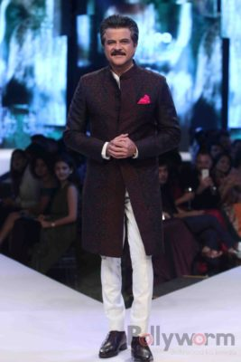 Anil Kapoor turns showstopper-Bollyworm (11)