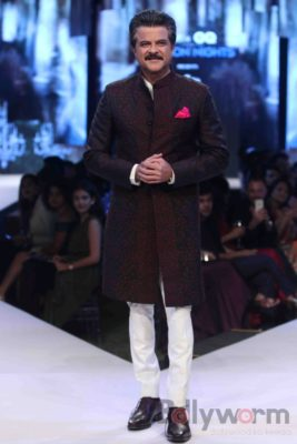 Anil Kapoor turns showstopper-Bollyworm (12)