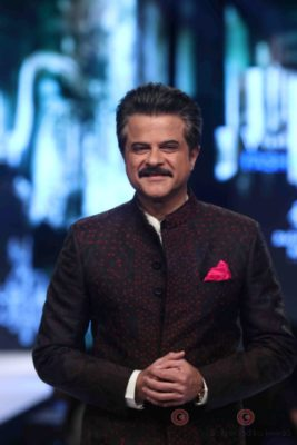 Anil Kapoor turns showstopper-Bollyworm (14)