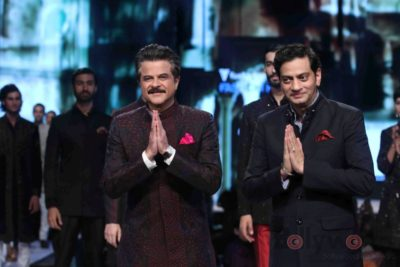Anil Kapoor turns showstopper-Bollyworm (16)