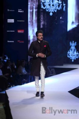 Anil Kapoor turns showstopper-Bollyworm (5)