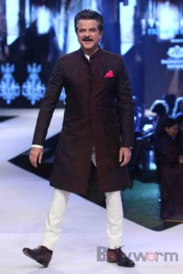 Anil Kapoor turns showstopper-Bollyworm (7)