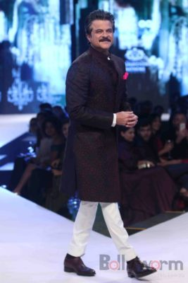 Anil Kapoor turns showstopper-Bollyworm (8)