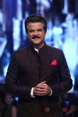 Anil Kapoor turns showstopper-Bollyworm (9)