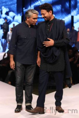 Irrfan Khan showstopper at Van Heusen GQ Fashion Nights 2017 Bollyworm (12)