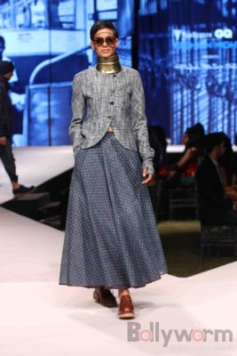 Irrfan Khan showstopper at Van Heusen GQ Fashion Nights 2017 Bollyworm (36)
