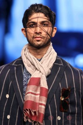Irrfan Khan showstopper at Van Heusen GQ Fashion Nights 2017 Bollyworm (48)