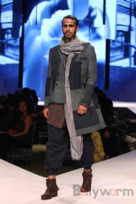 Irrfan Khan showstopper at Van Heusen GQ Fashion Nights 2017 Bollyworm (65)