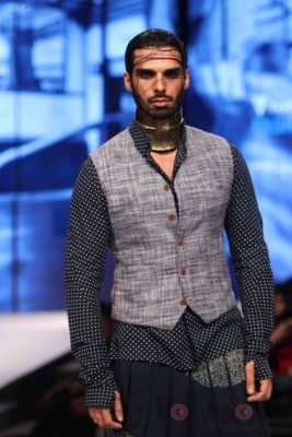 Irrfan Khan showstopper at Van Heusen GQ Fashion Nights 2017 Bollyworm (69)