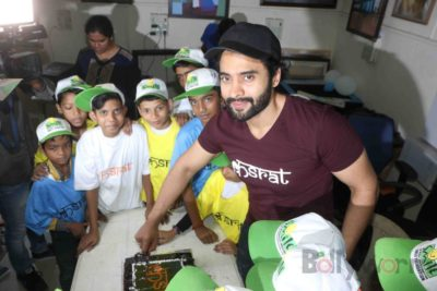 Jackky Bhagnani celebrates Children's Day with Smile Foundation kids Bollyworm (14)