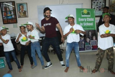 Jackky Bhagnani celebrates Children's Day with Smile Foundation kids Bollyworm (27)