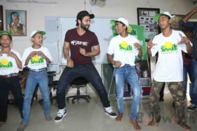 Jackky Bhagnani celebrates Children's Day with Smile Foundation kids Bollyworm (31)