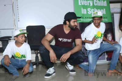 Jackky Bhagnani celebrates Children's Day with Smile Foundation kids Bollyworm (47)