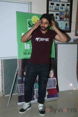 Jackky Bhagnani celebrates Children's Day with Smile Foundation kids Bollyworm (50)