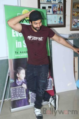 Jackky Bhagnani celebrates Children's Day with Smile Foundation kids Bollyworm (54)