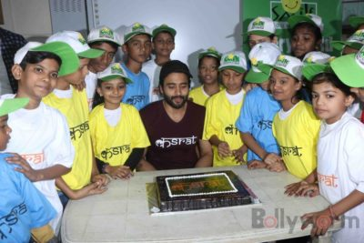 Jackky Bhagnani celebrates Children's Day with Smile Foundation kids Bollyworm (59)