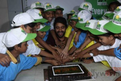 Jackky Bhagnani celebrates Children's Day with Smile Foundation kids Bollyworm (66)