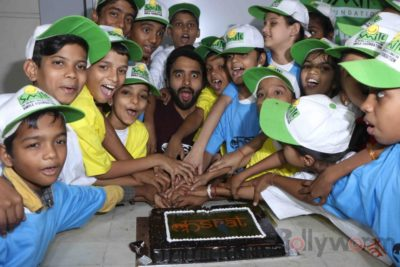 Jackky Bhagnani celebrates Children's Day with Smile Foundation kids Bollyworm (7)