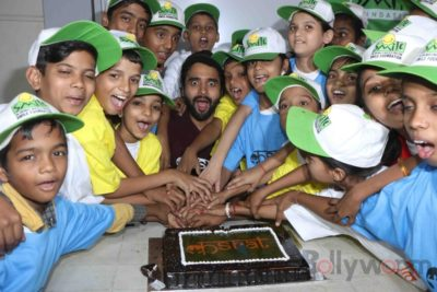 Jackky Bhagnani celebrates Children's Day with Smile Foundation kids Bollyworm (8)