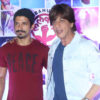 Shah Rukh Khan and Farhan Akhtar at Lalkaar_Bollyworm (20)