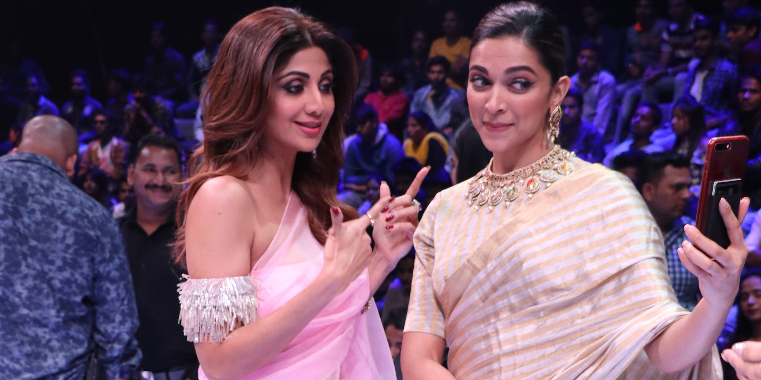 Deepika Padukone looks gorgeous on the sets of Super Dancer