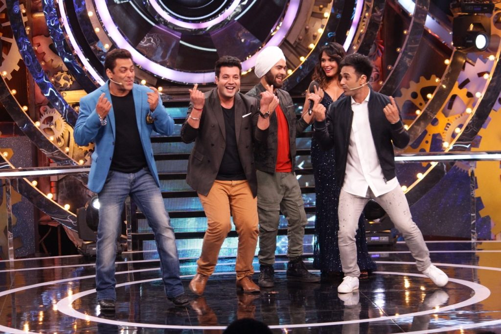 Fukras celebrate Fukrey Returns' success with Salman Khan!