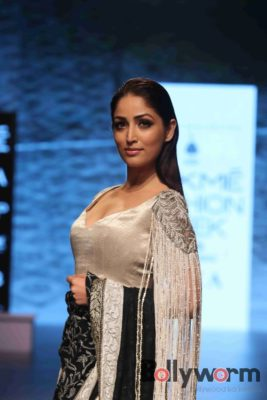 Lakmé Fashion Week_Bollyworm (30)