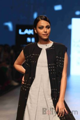 Lakme Fashion Week_Bollyworm (25)