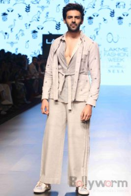 Lakme Fashion Week_Bollyworm (35)