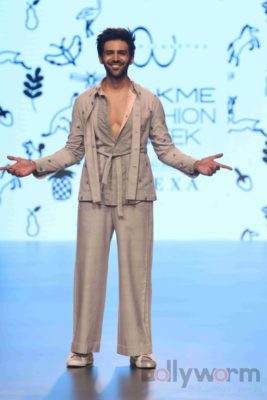 Lakme Fashion Week_Bollyworm (41)