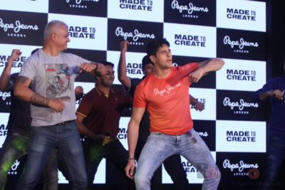 Sidharth Malhotra made brand ambassador for Pepe Jeans India Bollyworm (2)
