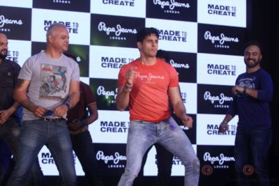 Sidharth Malhotra made brand ambassador for Pepe Jeans India Bollyworm (3)
