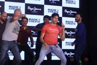 Sidharth Malhotra made brand ambassador for Pepe Jeans India Bollyworm (4)