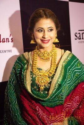 Manisha Koirala and Sonu Sood at the launch event of PS Design Studio Bollyworm (25)